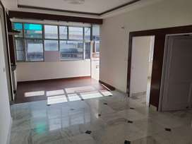 3 bhk flat in ivory towers with Lift Sec 70