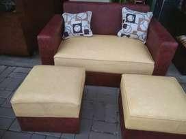 sofa minimalis bahan kulit sintetis free dua bantal