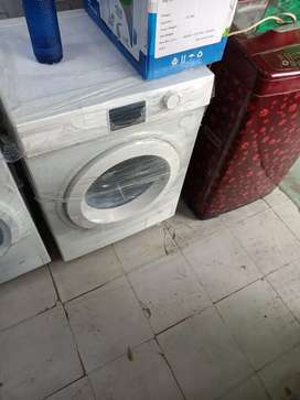Factory second sale front load washing machine lloyd 7 kg non warranty