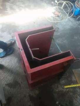 Produksi cetakan beton