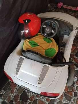 Mainan kendaraan roda empat anak