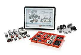Lego EV3--45544 trainer kit with charger.