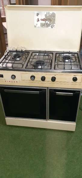 A1 mint condition cooking range