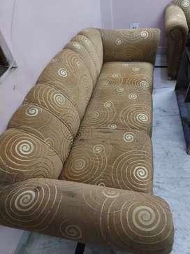 Three seatar sofa very good in condition