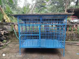 Dog cage with well buit in quantity