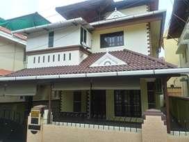 thrissur kuriachira 4 cent 4 bhk villa