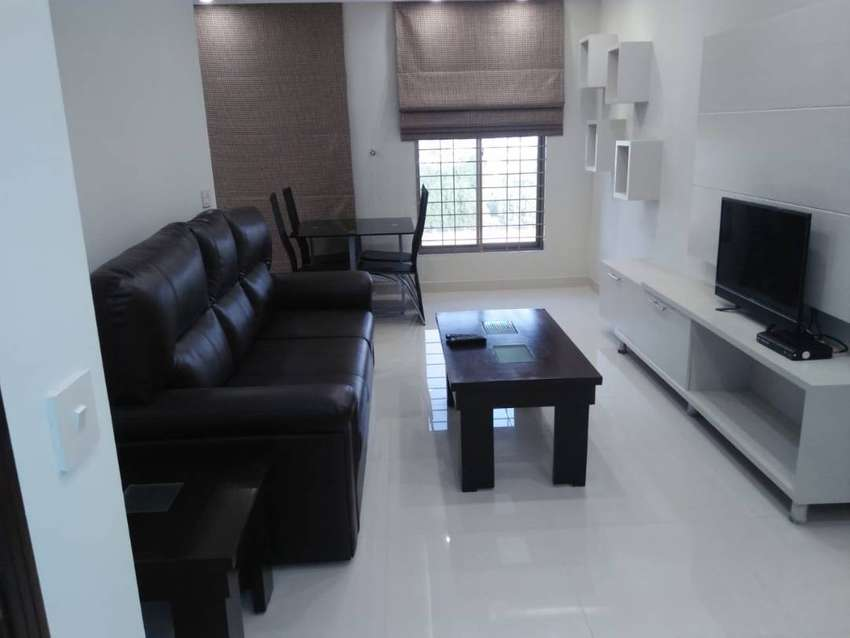 1 bed room luxury furnished flat for rent in bahria town lahore 0