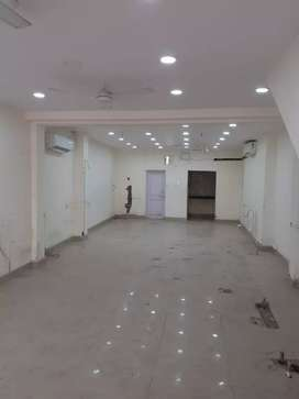 Near race course crossing. Posh location 75000 rent