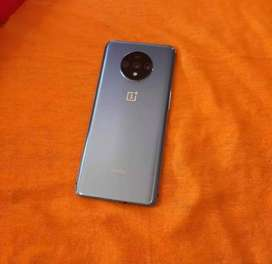 Fabulous condition of one plus 7t with all accessories
