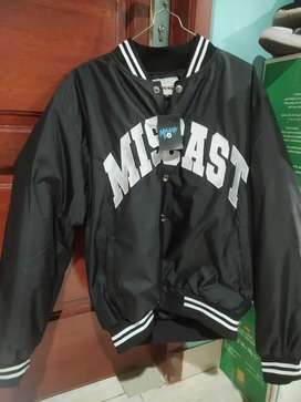 Jaket Varsity baru beli gak ada  minus cuman salah ukuran  215K nego