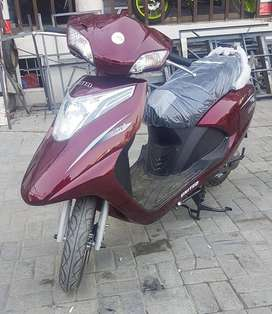 United 100CC Scooty