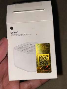 Iphone 12 fast charger 20 W