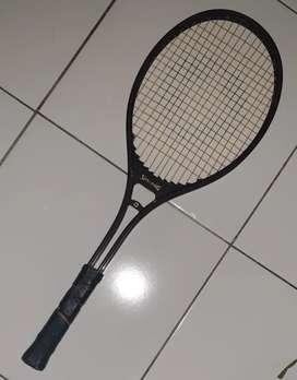 Raket Tenis Spalding