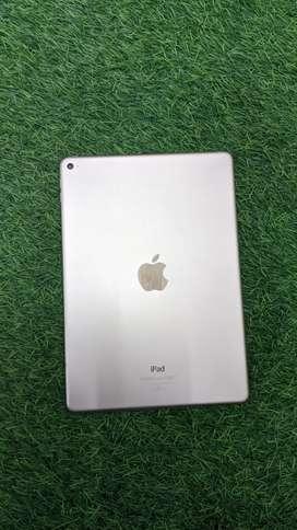 IPad Air 2  wifi Gold colour 128gb supermint condition
