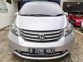 Honda Freed PSD matic tahun 2011 cash kredit murah