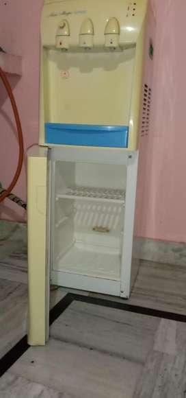 water dispenser with fridge of voltas companyb
