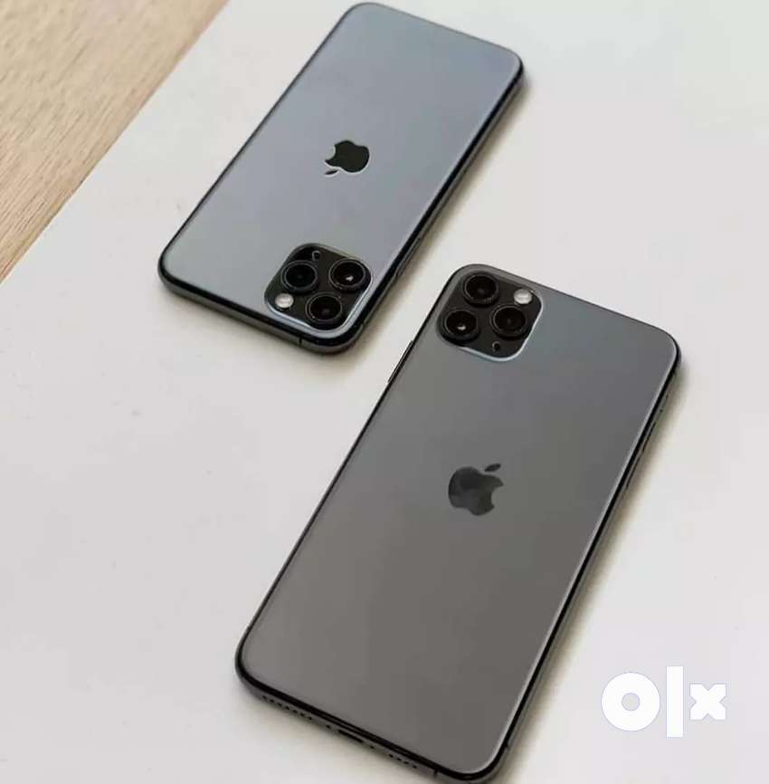 Super condition of apple I phone models available with bill box & 0