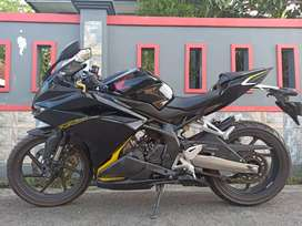 J IKHSAN MOTOR HONDA CBR 250 KM 4000