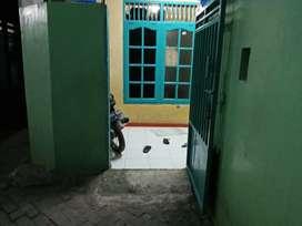 Dijual rumah 102 m + kontrakan 2 pintu