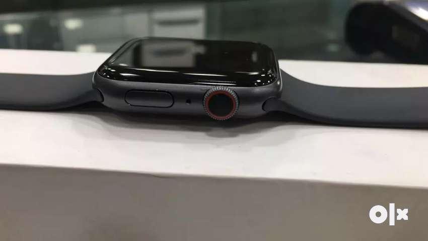 Iwatch Series 4 Cellular 44mm under warranty 0