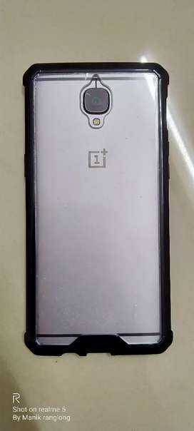 ONEPLUS 3T 6 RAM 64 ROM AWESOME CONDITION