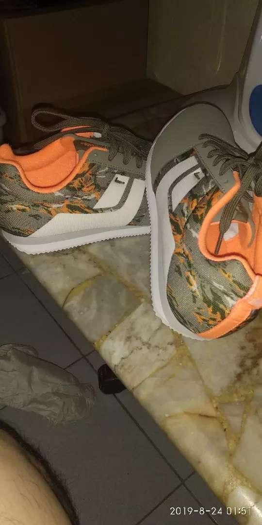 Sepatu league original ukuran 43 0