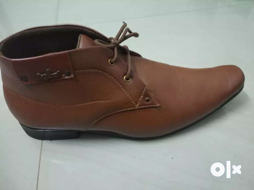 Brown shoes 0