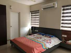 3 bhk fully furnished branded flat near karaparamba
