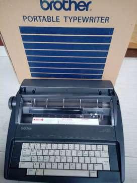 Mesin Tik Electronic Brother AX-325 Like New