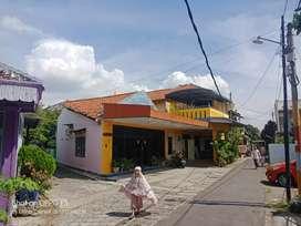 Dijual rumah induk dan usaha kos di kesambi Cirebon