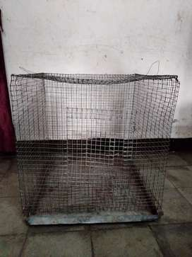 Metallic cage