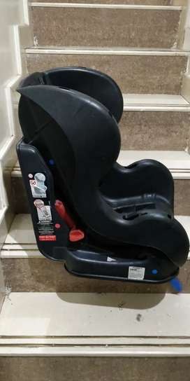 Car seat for baby and for 3 to 4 year kids