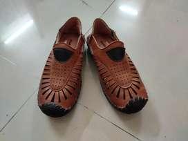 New Khadim's kid shoes size 11 hardly used age 4-5 years