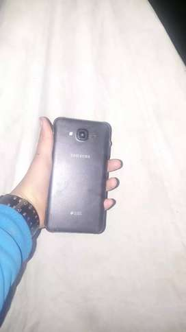 Selling Samsung Galaxy j7 nxt new software