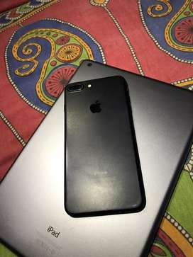 iPhone 7 Plus (128 GB) in gud condition 14 months old with bill