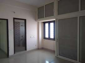3bhk flat 1470sft,east,4th flr,Shoba garden MDFRd oldBowenpally 55Lac