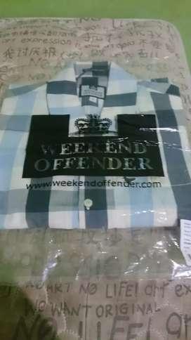 Kemeja weekend offender