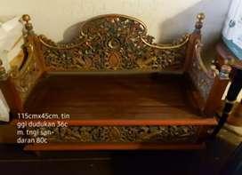 Jodang / peti , bisa untuk tempat duduk ukir antik