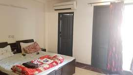 1 room set builder floor in saket