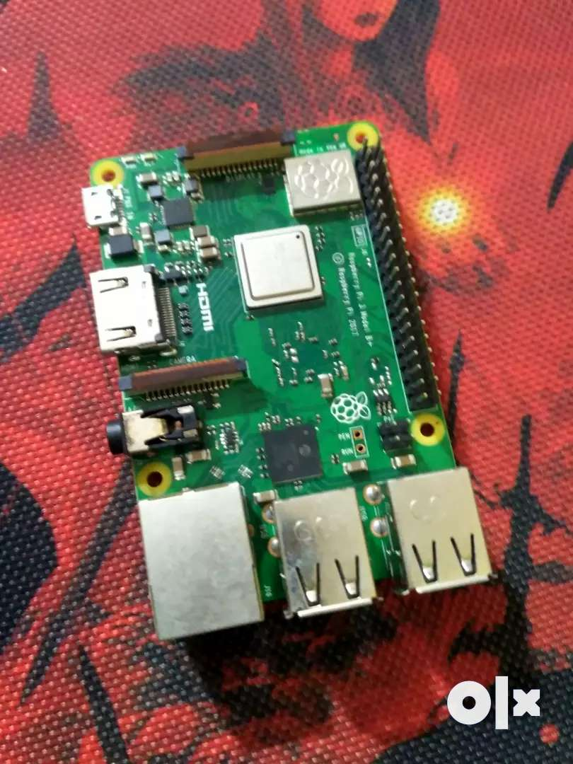 Raspberry Pi model 3b+ with case included 0