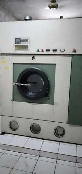 Indistrial Perc drycleaning machine