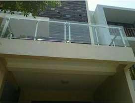 Balkon stainles kaca Disaen elegan