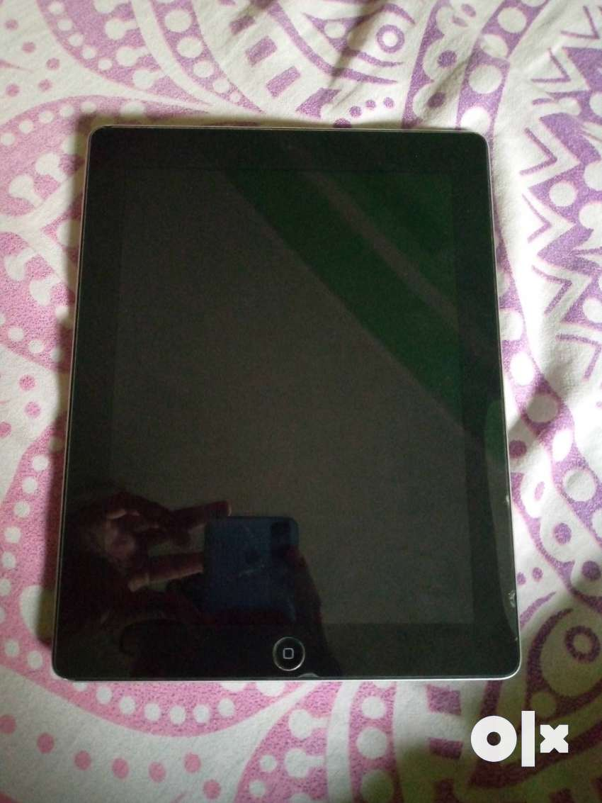iPad 4 the generation without any cratch gud condition best battery