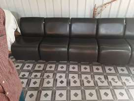 4 chair leather offical