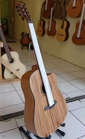 Gitar akustik camwood original berkualitas