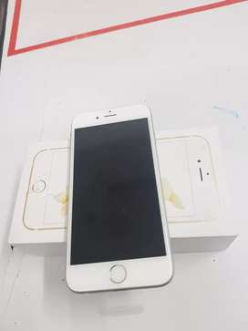 Brand new iPhone 6s 64gb with bill 6month sellers warranty imported