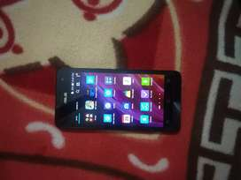 Asus Zenfone 5 Black 16 GB (2 gb RAM)