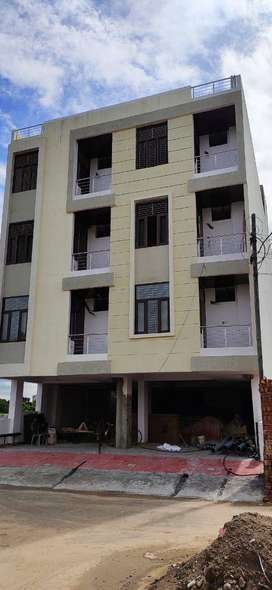 2BHK Semi Furnished Flat in Mansarover