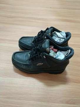 Sepatu  Rockport made in
