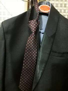 Brand New 3 Piece Suit ( Size 28 )